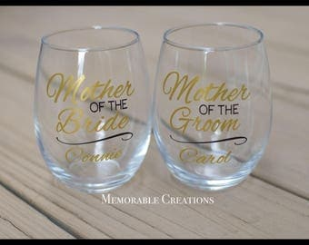 FAST SHIPPING-Personalized Stemless Wine Wedding Glasses for the Mother of the Bride, Mother of the Groom