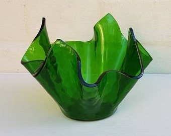 Retro Chance glass HAMMERED green handkerchief vase
