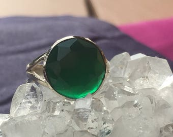 Green Onyx Faceted Round 92.5 Hamdmade Silver Ring US Size 6 (approx 14mm round stone house)