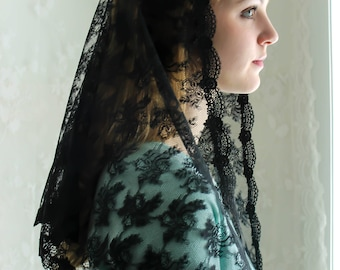 Evintage Veils~ Traditional Black Vintage Inspired Lace  Triangle  Mantilla Chapel Veil (Soft)