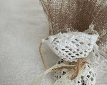 Favors | hand knitted doily