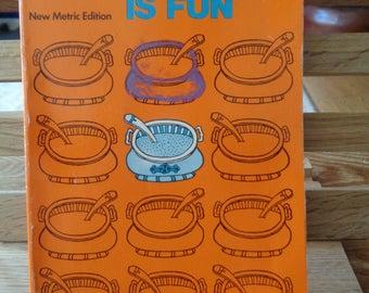 Vintage cook book Good Housekeeping Cooking is Fun new metric edition school cookery book vintage recipes cooking methods 424 (X)