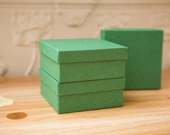 Square Green Kraft gift box. Wedding gift boxes. Square deep kraft paper gift boxes. Custom gift boxes. 9cm x 9cm. Deep jewellery boxes