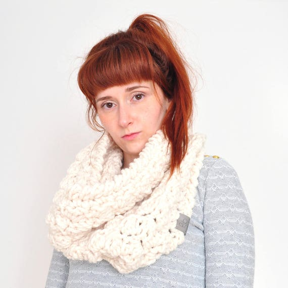 The Cloud • Cowl • Crochet Chunky Knit • Colour: VANILLA