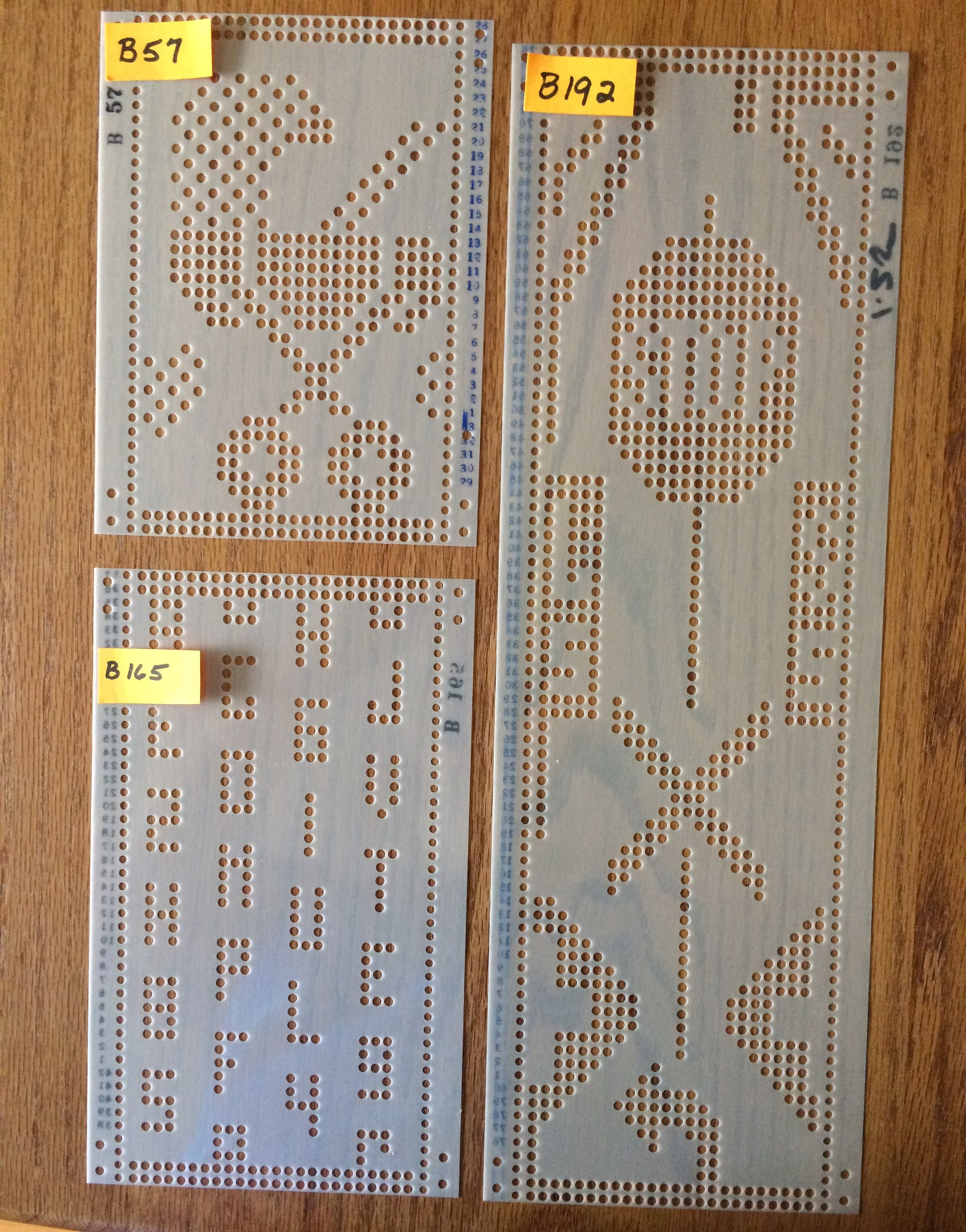 Vintage knittery pre punched cards for standard gauge 24 stitch sold by suziesyarnemporium bankloansurffo Images