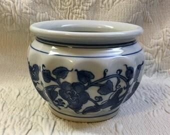Cobalt Blue on White Porcelain Floral Ribbed Planter Pot Vase, Blue and White Planter, Blue on White Planter