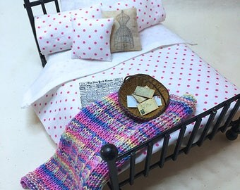 Miniature Dollhouse Duvet Bedding Set -White with Pink Dots - Queen/Double