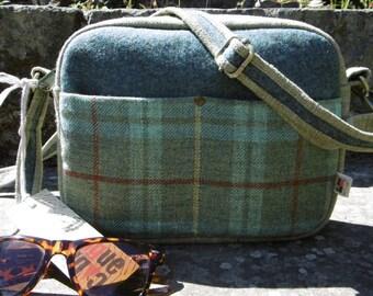 Small green plaid cross shoulder bag