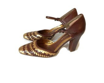 Vintage Gold and Brown Strappy sandals 1990s Mule heels Mary Jane high heels boho minimalist Enzo Angiolini Womens size 6