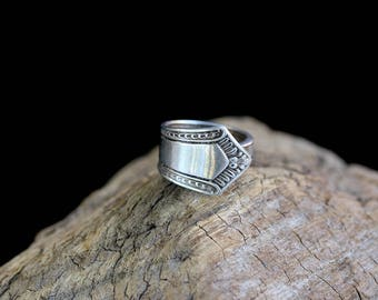Sterling Silver Trimmed SPOON Ring / size (7.5)