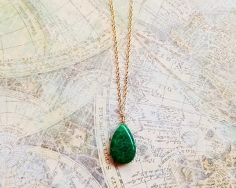 Dainty Green Emerald Pendant Necklace, 14kt Gold Filled Necklace, Natural Green Emerald Jewelry, Gold Emerald Necklace