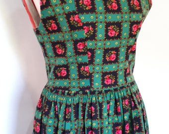 Vintage 50s cotton dress handmade green pink floral dress size small