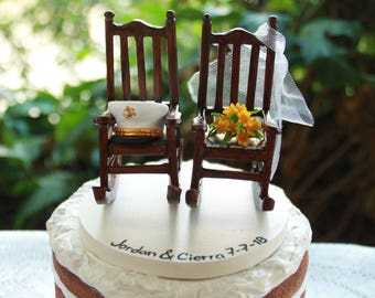 Rocking chairs topper. Bouquet and hat. Growing old together. Custom cake topper, custom figurine for wedding or anniversary.