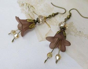 SWAROVSKI CRYSTAL Earring Topaz Chocolate Coffee Flower Bell Cream Taupe Lily Champagne Shabby Chic Vintage Antique Jewellry Australian made