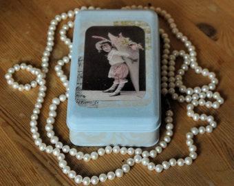 Pretty-Pretties  jewelry box, Girl's round casket, Metal jewelry box, Vintage jewelry organizer, Rustic jewelry box, Shabby chic casket