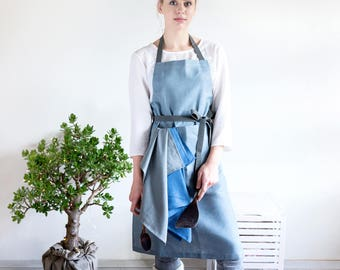 Linen Apron with pockets and long adjustable strap perfect as chef apparel