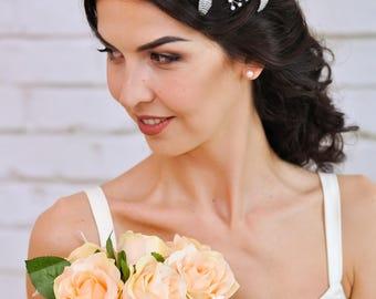 Flower tiara Flower crown Flower headband Floral headband wedding crown Floral headpiece Bridal headpiece pearl Woodland wedding Leaf crown