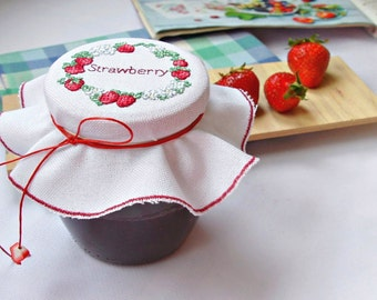 Cross stitch strawberry jam jar lid cover maison jar decor homemade jelly lid topper cosy kitchen decoration housewarming gift Mother's day