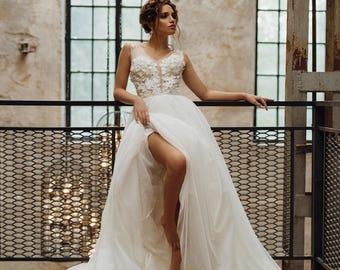 Wedding dress 'MARTIZ' // Beautiful ball gown wedding dress with 3D flowers