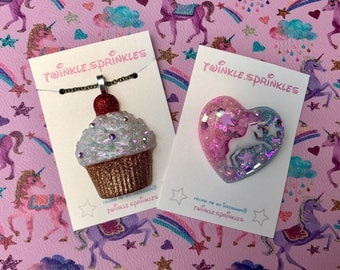 Sparkly cupcake resin brooch / necklace