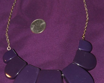 Chunky purple plastic necklace, vintage 1980's