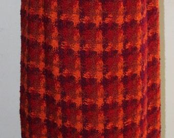 SZ. 6/8 wool boucle maxi skirt, vintage 1960's