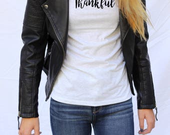 """Graphic tee for women """"Thankful""""/Thankful Tshirt/Positive message tshirt/gift for her"""