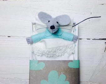 Hand made dolls felt animal bed in a box mint felt toy kit  sleepy miniature felt mouse animal plushie stuffed animal gray in matchbox