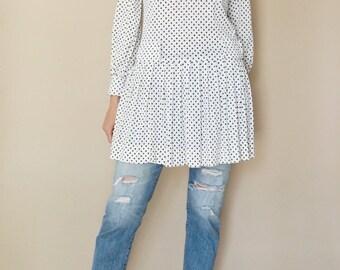 vintage 60s white + navy mod POLKA DOT mini dress S