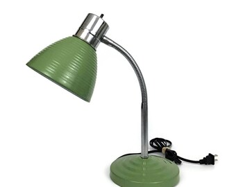 Vintage Green Metal Gooseneck Desk Lamp // Dorm Decor // Industrial Light