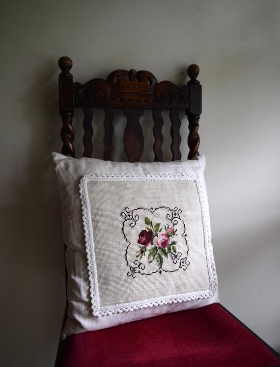 Vintage Off White / Cream Linen Embroidered Pillow - French Farmhouse, Folk, Boho, Natural