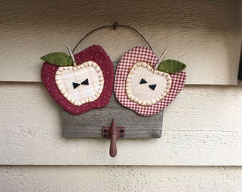 APPLE SIGN - Primitive Apples with Vintage Spools Hanger - Country Decor