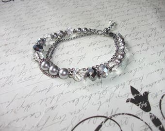 Crystals and pearls bracelet with stainless steel chain