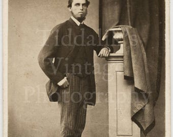 CDV Carte de Visite Photo Young Victorian Bearded Smart Man Leaning on Balustrade Pillar Prop, Pin Stripe Trouser - Worcester England