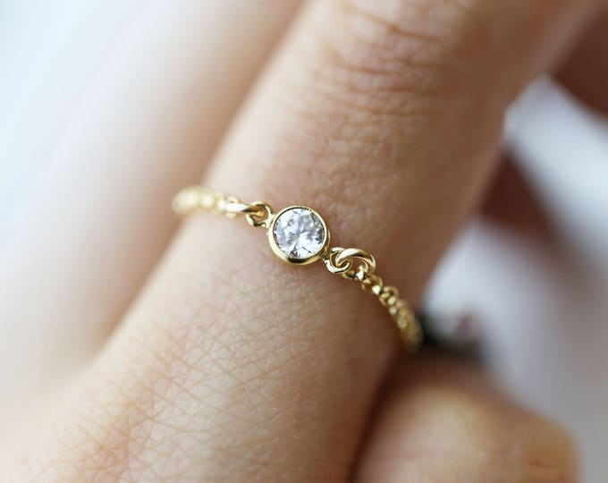 Small Diamond CZ Chain Ring // Dainty ring // Diamond rings // Stacking rings