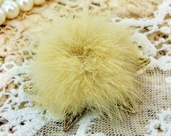 Vintage Brooch, Mink, Fur, Star Shaped, Gold, Pin, Costume Jewellery
