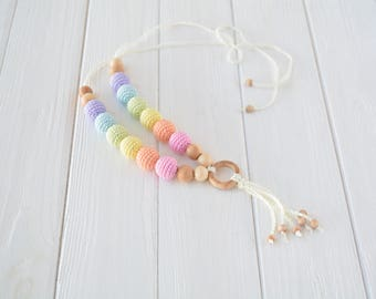 Pastel rainbow nursing necklace with pendant for baby teething, Crochet teething necklace for breastfeeding & babywearing