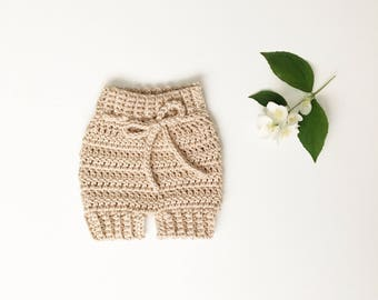 Crochet Baby Shorts// baby bloomers, knit bloomers, knitted shorts, crochet baby shorts, crochet bloomers, diaper cover