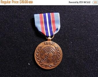 Inventory Sale Vintage Original US Peacekeeping Service Medal