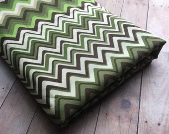 Flashy Zig Zag Print Fabric - Green and Cream - Elizabeth Caldwell