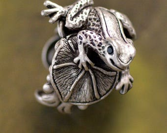 Frog Ring, Silver Frog Ring, Frog Jewelry, Frog Sculpture, Vintage Frog Ring, Vintage Frog Jewelry, Little Frog Ring, Nature Jewelry R534