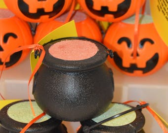 Bath Bombs, witch's brew, pumpkin, Pumpkin pie scent, Halloween gifts, Halloween Soap, witch's soap, themed weddings, halloween favors