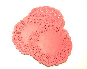 Set of 20 red lace paper placemats 8 * 8 cm