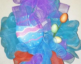 Easter Wreath, Mesh Easter wreath, Easter Egg door hanger, Easter Egg wreath, Spring wreath, Spring door hanger, Easter decoration, wreath