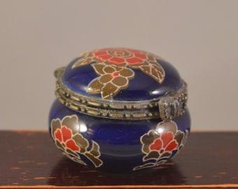 Vintage trinket box,ceramic,porcelain jewelry box,tiny box