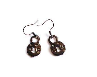 Locks in gunmetal grey earrings