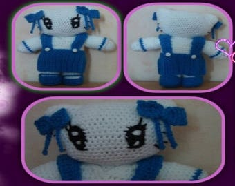 Tutorial for crocheting this schoolgirl cat set