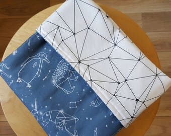 Animal constellations Modern crib blanket. Reversible cot quilt. Baby cot blanket. baby bedding. Boys blanket