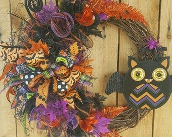 SALE Halloween Bat Mesh Wreath-Halloween Grapevine Floral Wreath-Halloween Grapevine Door Wreath-Halloween Mesh Wreath-Halloween Decor