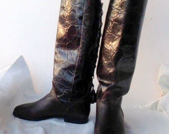 sz 6 m vintage flat brown croc print leather riding boots with lace up back